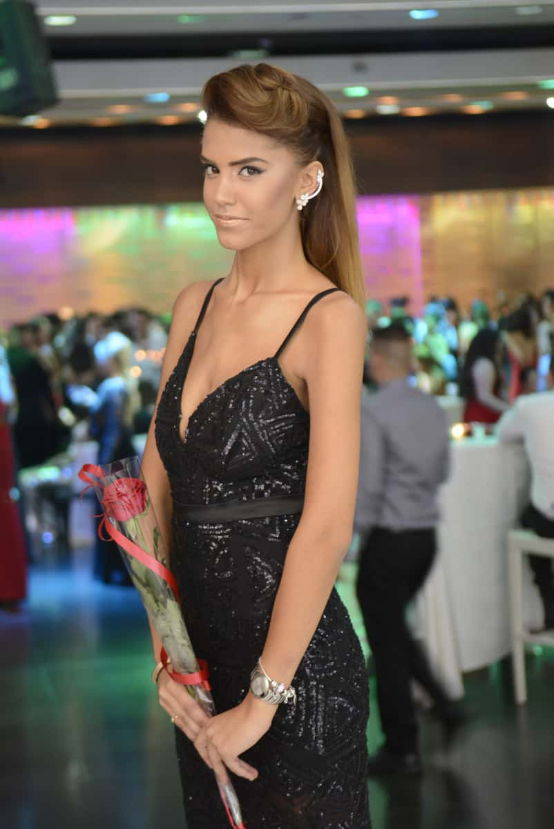 שמלה: נירית לוי איפור: עפרה-כל היופי שבך שיער: רינת תשובה