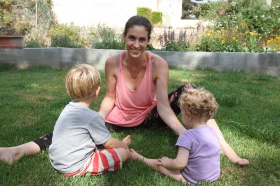 אמא יחידה ומאושרת. רומי גילת וילדיה (צילום: שלומי גבאי)