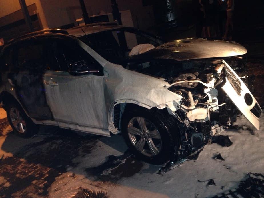 מכוניתו של ראש עיריית קרית ים לאחר ההצתה (צילום: כיבוי אש מחוז חוף)