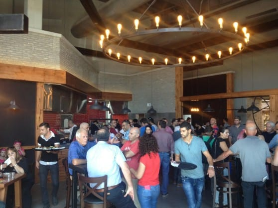 מסעדת ״אנגוס״ בתוך מתחם דאבח