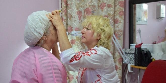 מחמם את הלב. טיפולי יופי לנשים חולות סרטן (צילום: כפיר בזק)