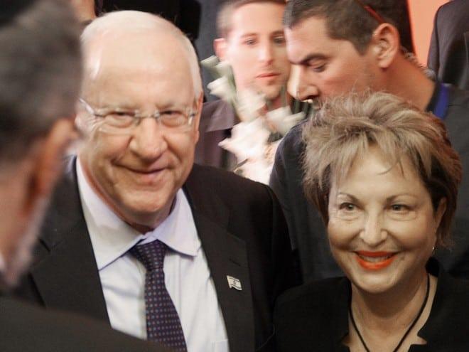 רעיה שטראוס- בן דרור עם נשיא המדינה  (צילום: ראובן רובי ריבלין)