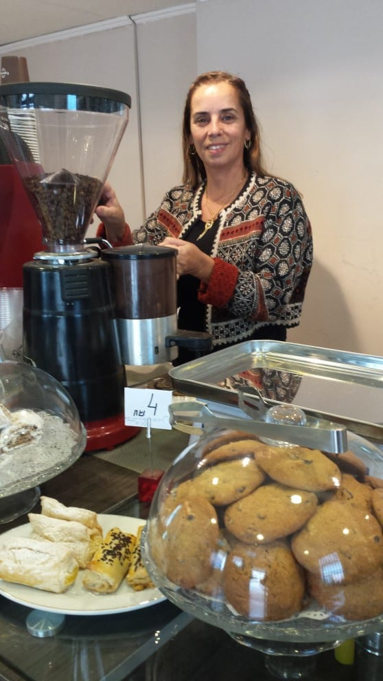 פתחה את פנינת החמד קפה STAR BAKE דפנה כהן  צילום: זהבה אורן