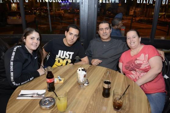משה מקייס חוגג יומולדת 51 עם המשפחה