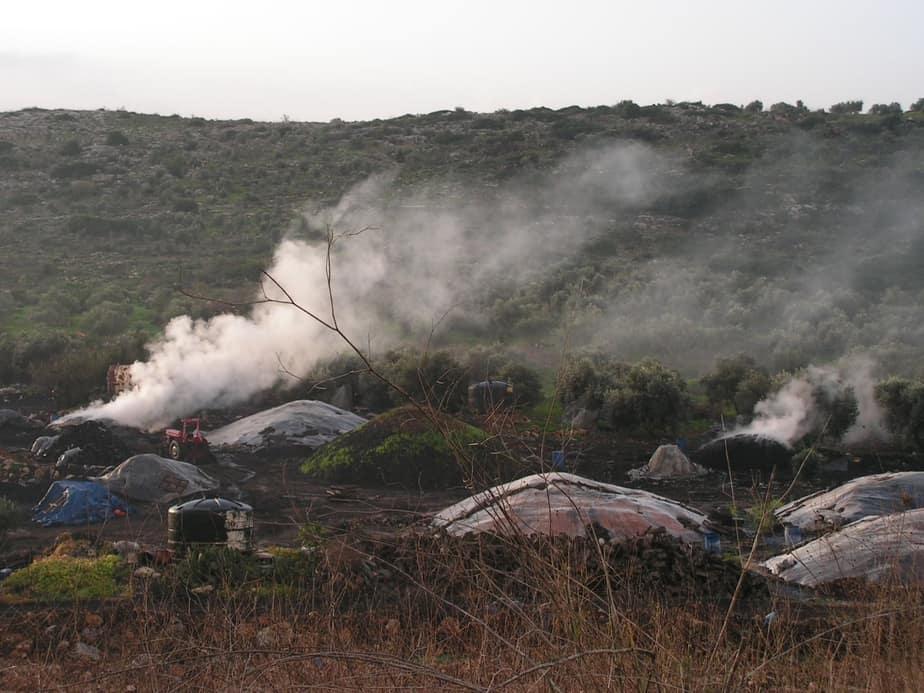 זיהום ונזק בריאותי לתושבי השרון הצפוני. מפחמה בשטחים (צילום: יוסי כהן)