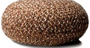 פופים סרוגים של צמר שטיחים יפים [צילום: דן הכט]
