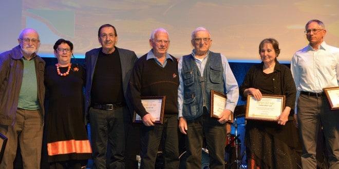 כרמל סלע עם ששת היקירים (צילום: אבי ברומברג)