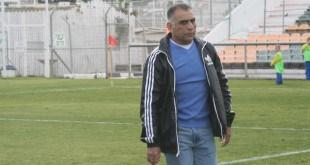 מאוכזב. המאמן יצחק בוזורגי  (צילום: מיכה פישנזון)