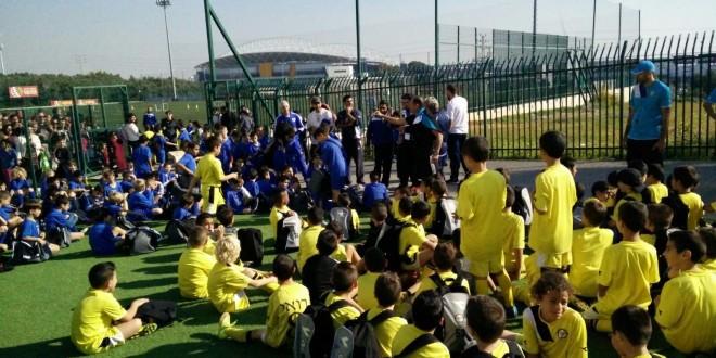 טורניר חנוכה. בתי הספר לכדורגל של נתניה ופתח תקווה (צילום: באדיבות מכבי נתניה)