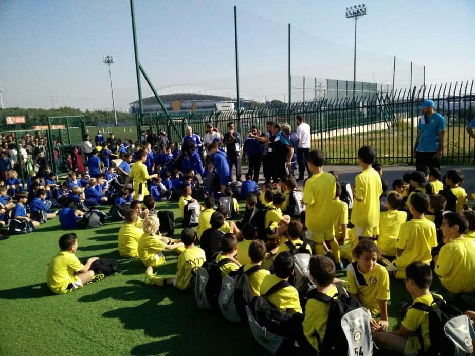 טורניר חנוכה. ילדי בתי הספר לכדורגל של נתניה ופתח תקווה (צילום: באדיבות מכבי נתניה)