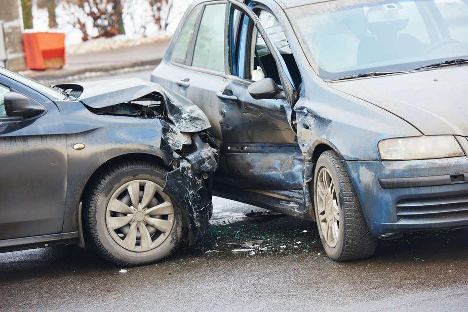 רוב התאונות בקריות נגרמו בגלל אי ציות לתמרורים ורמזורים [צילום אילוסטרציה: פוטוליה]