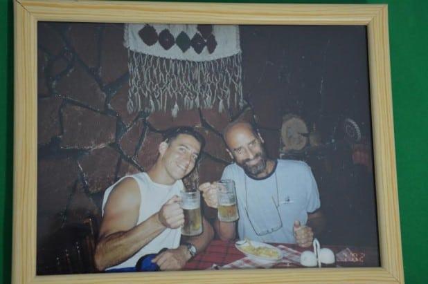 """קשר טוב, מאוד מיוחד"""". אורן הובר ואביו צביקה צילום: משפחתי"""