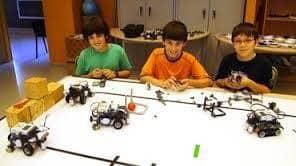 חוג רובוטיקה בחדרה (צילום פרטי)