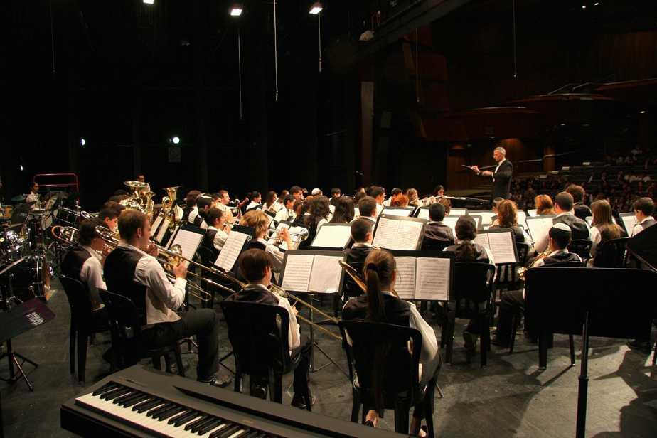 תזמורת הקונסרבטוריון בניצחו של מוטי מירון (צילום: רן אליהו)