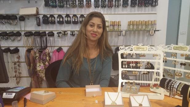 הילה אלחרר, הבעלים של חנות האופנה והאקססוריז  ELLIEבקניון הצפון