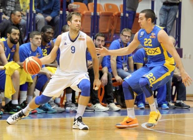 ניב ברקוביץ' (משמאל) (צילום: אדריאן הרבשטיין)