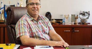 אלי דוקורסקי, ראש עיריית קרית ביאליק (צילום: דורון גולן)