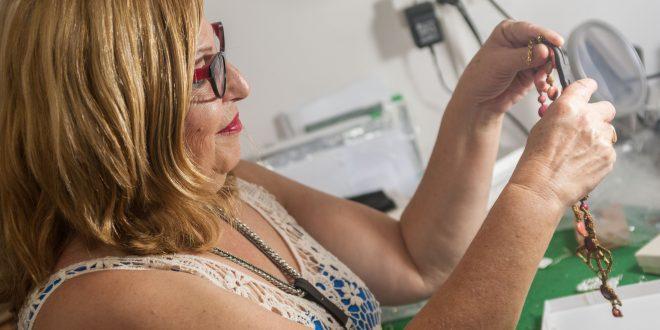 איריס רותם, מעצבת תכשיטים. צילום: דורון גולן