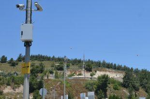 מצלמות בכניסה לעיר (צילום עצמי)