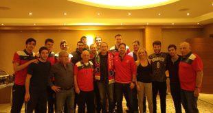 מפגש ישראלי בטורקיה. המאמן דיויד בלאט עם מטה אשר/עכו (צילום: מיכאל קישון)