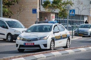 ניידת של משטרת התנועה ברחוב אחי אילת בקרית חיים. צילום: דורון גולן