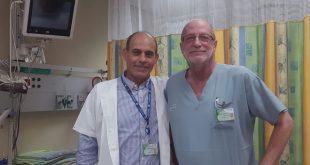 """כאב הצוואר התברר כדלקת חמורה. ד""""ר ויקטור חולמצקי וד""""ר בדראן חאתם (צילום: דוברות כללית)"""