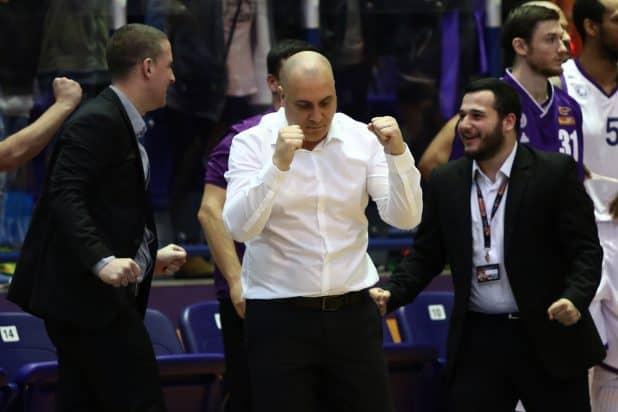 הצוות המקצועי של עירוני נהריה מאושר (צילום: מנהלת הליגה)