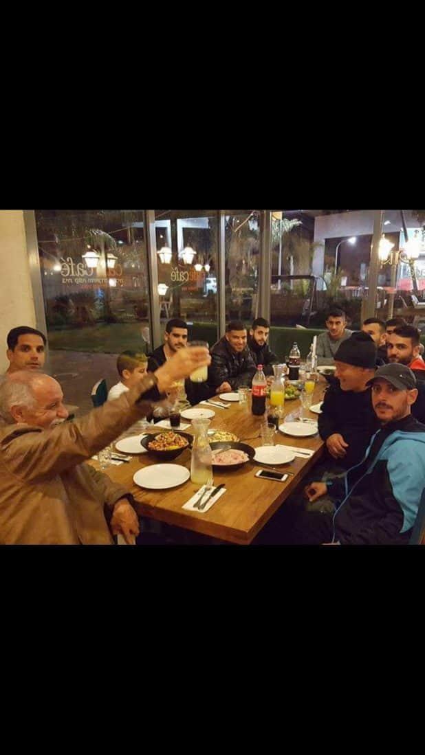 שחקני בית שאן היו בארוחת גיבוש לקראת המשחק (צילום עצמי)