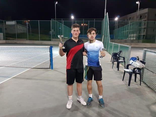 טניסאים מצטיינים בתחרות (צילום עצמי)