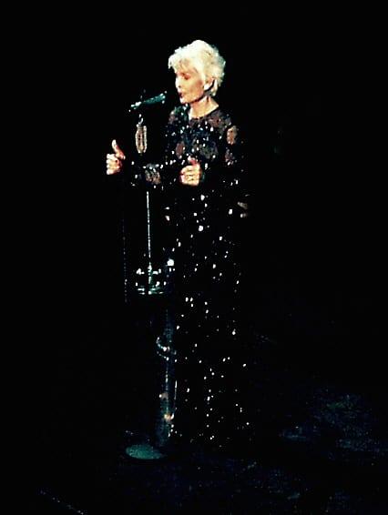 קריירה בינלאומית עשירה ומפוארת. דליה לביא בהופעה האחרונה בגרמניה צילום: User:Nobbi1, ויקיפדיה, CC BY_SA 3.0