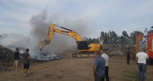 כלים כבדים במאמצי כיבוי של השריפה בתלמי אלעזר. צילום: מועצה אזורית מנשה