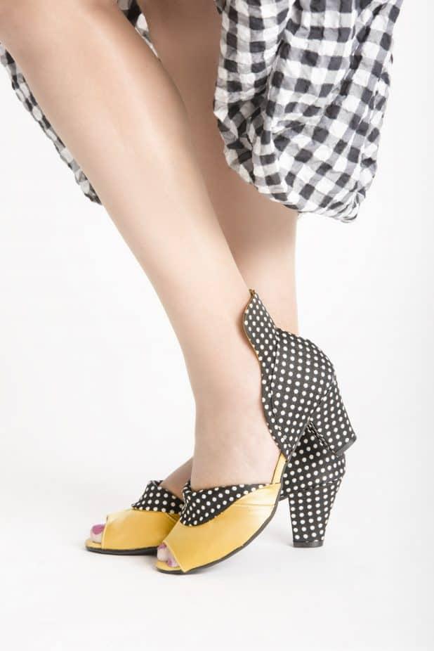 הנעלים של מיקה צילום גיא גלעד