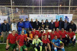 האלופה. שחקני קבוצת ברמד חוגגים את זכייתם באליפות (צילום: מוחמד ספייה)