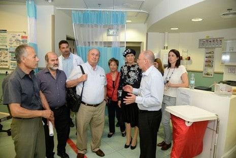 סיור ועדת העבודה והרווחה בבית החולים (צילום שגיא פליקס)