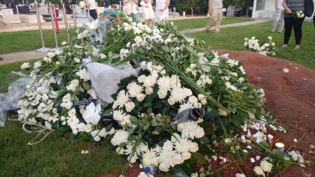 צער גדול. קברו של פרישר- גוטמן (צילום: הילה אייזינגר)