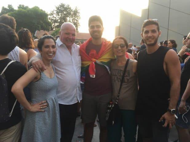 משפחת בוימן בהפגנה (צילום: עצמי)