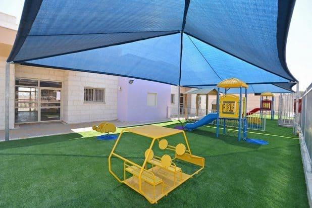 הצללה בגן ילדים (צילום: רן אליהו)