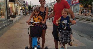 דניאל בן והמשפחה בקפריסין (צילום עצמי)
