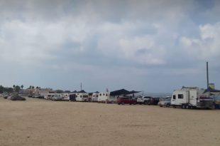 קראוונים בחוף מכמורת צילום עצמי