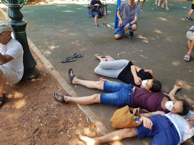 ילדי זכרון יעקב מדגימים את תוצאות תכנית הגז בעצרת. צילום: מועצת זכרון יעקב