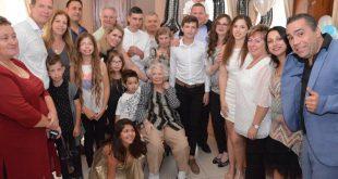פלוריקה אייזנברג חוגגת עם המשפחה (צילום עצמי)