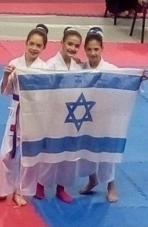 נעמה קפטה, אלכס קורץ ומיה רוקח (צילום: ליאת רוקח)