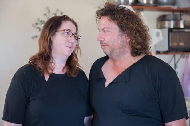 """ספי ודורה קוזק, הוריו של יהונתן ז""""ל. צילום: דורון גולן"""