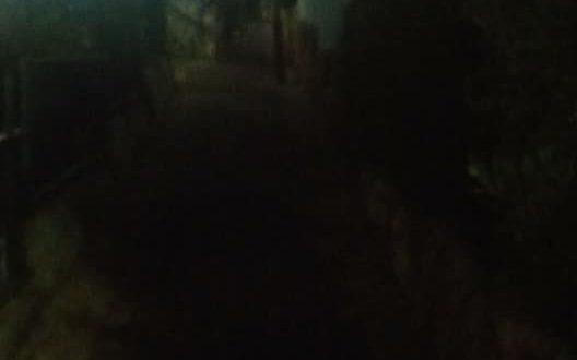 אנשים התרגלו לחיות בחושך. שכונת הסיגליות במעלות תרשיחא (צילום חגי וינברג )