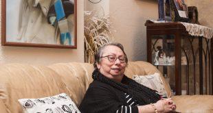 """ברכה שטרק, אימו של סגן ארז שטרק ז""""ל שנהרג באסון המסוקים. צילום: דורון גולן"""