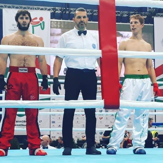 תג בינלאומי. דוד רמון (במרכז) שופט באליפות העולם (צילום: עצמי)