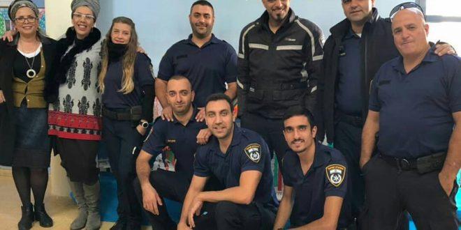שוטרים במורשה צילום עצמי