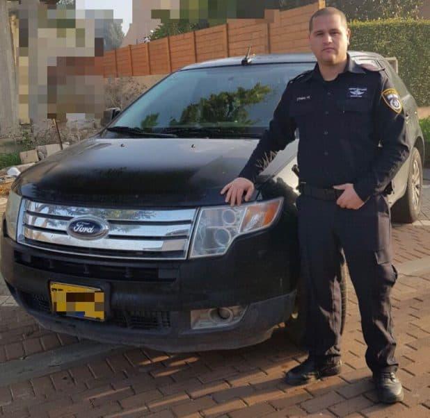 השוטר ניר אסולין והרכב שנפרץ