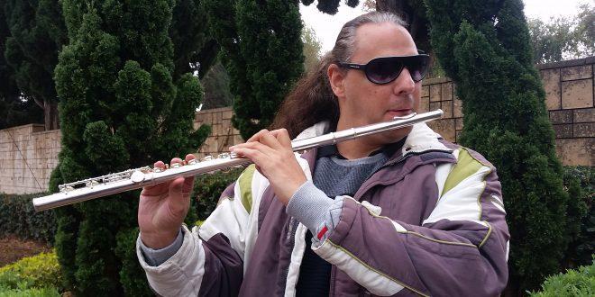ללמד מבוגרים להאזין למוסיקה. גידי אהרונוביץ צילום רותי ברמן