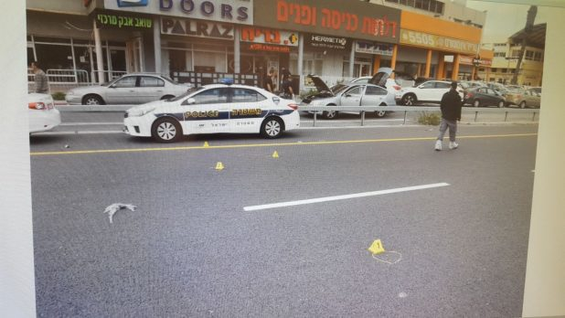 זירת ההתנקשות בנעמן. צילום משטרת ישראל